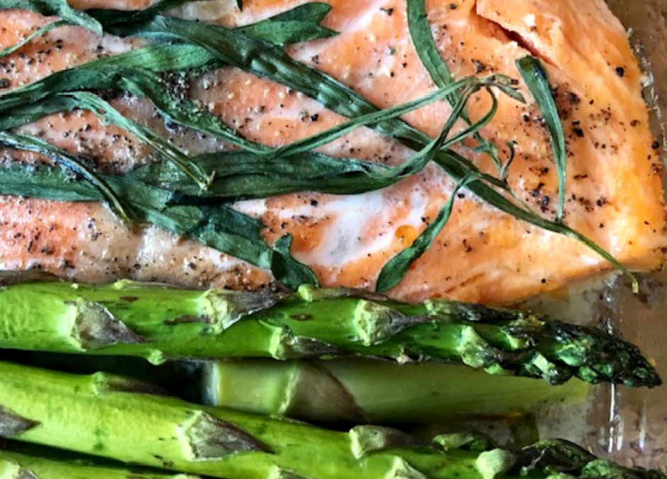 Baked Rainbow Trout and Asparagus With Tarragon Garlic Sauce